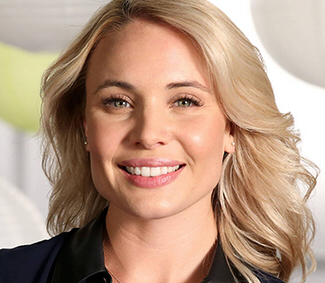 Leah Pipes Nude Photos 64